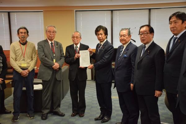 田村憲久厚生労働大臣が被害者に直接謝罪
